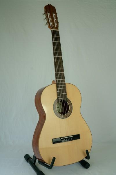 Raimundo 104-B Konzertgitarre Fichte